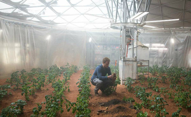 "Potatisodling på Mars ur filmen ""The Martian"" (2015) av Ridley Scott."